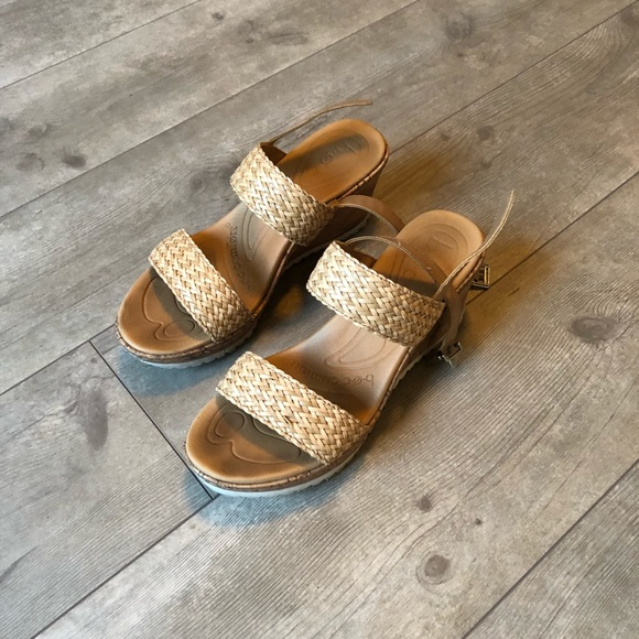 a70941eedb3 b.o.c. Shoes - B.О.C Remi wedge sandals